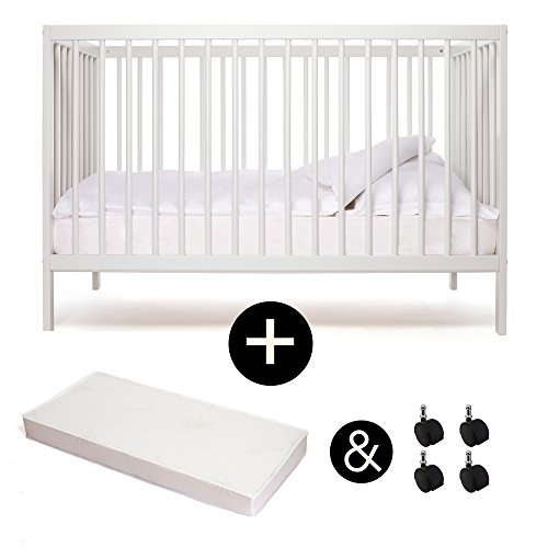 babybett kinderbett kombi kinderbett mokee weiss mit matratze mit rollen kologisch 0. Black Bedroom Furniture Sets. Home Design Ideas